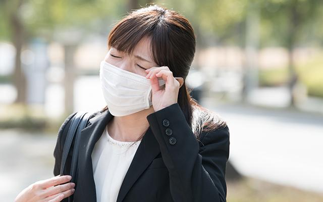コンタクトレンズユーザーの花粉症対策について